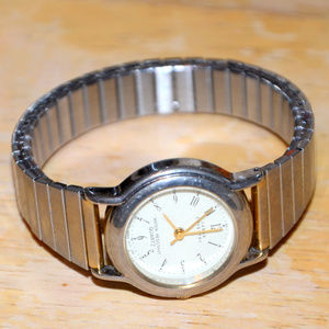 vintage Sarah Coventry gold watch